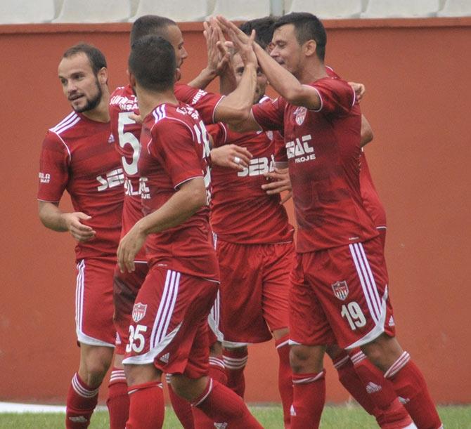 Akçaabat FK Tekirova Belediyespor'u 2-0 mağlup etti. galerisi resim 4