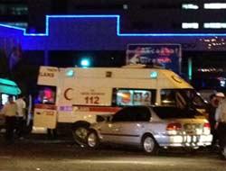 Ambulans İle Otomobil Çarpıştı