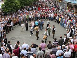 Festival'de Kim Hangi Saatte