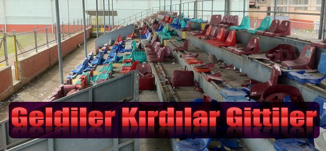 Sasmunspor Taraftarı Stadyum Koltuklarını Kırdı.