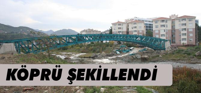 Dere Üzerüne İnşa Edilen Köprü Bitmek Üzere