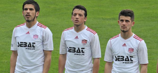 T.Akçaabat FK Silivri'yi 2-0 mağlup etti.