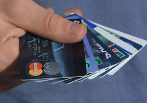 Kredi Kartlarına Aylık Limit Geliyor