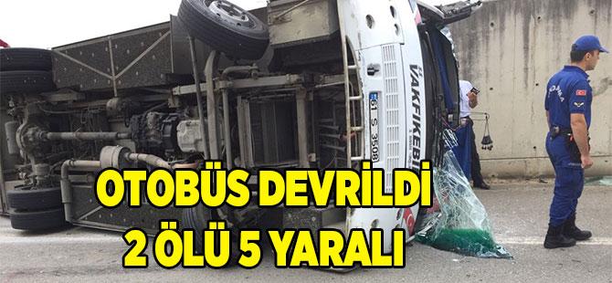 Otobüs Devrildi 5 Yaralı