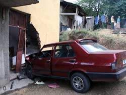 ÖzDemircide kaza 3 yaralı