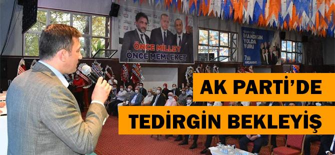 AK Parti'de Korona Tedirginliği