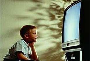 Televizyon karşısında besleme!!
