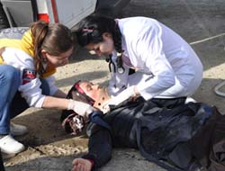 Akçaabatta Trafik Kazası 3 Yaralı