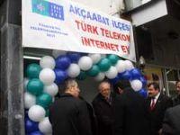 Vali İnternet evi açtı