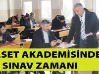 Siyaset Akademisinde Sınav Zamanı