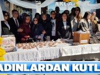"""İYİ Partili Kadınlar """"8 Mart Kınalı Eller"""" etkinliği düzenledi."""