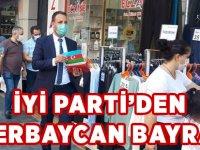 Akçaabat'ta esnafa Azerbaycan ve Türk bayrakları dağıtıldı