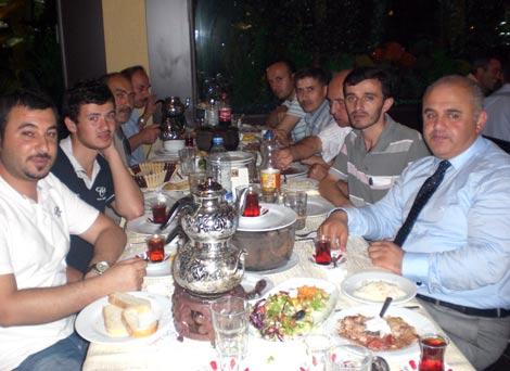 ak-parti-iftar1.jpg