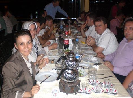 ak-parti-iftar4.jpg