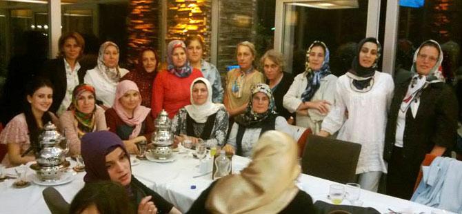 ak-parti-yildizli-iftar.jpg