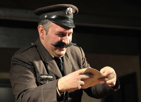 akcaabart-belediye-tiyatrosu-akcaabat2.20130304120806.jpg