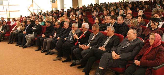 akcaabat-belediyesi-turk-sanat-muzigi-korosu-erol-gunaydin-sanat-merkezi'nde-gonulleri-senlendirecek-unutulmaz-bir-konser-verdi..jpg