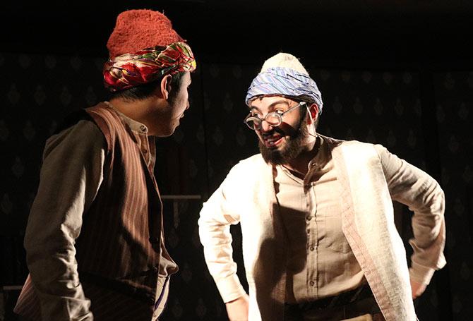 akcaabat-tiyatro-001.jpg