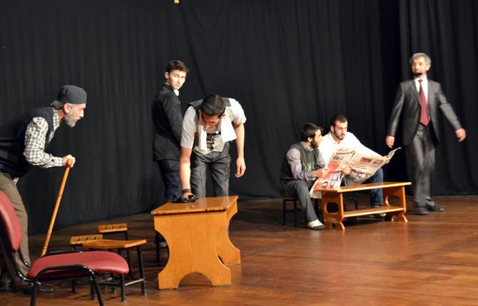 akcaabat-ulku-ocagi-tiyatro4.jpg