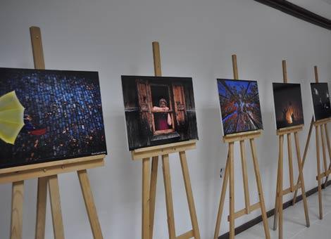 akcaabatli-fotograf-sanatcisi-murat-suphi-akgun,-ilk-kisisel-fotograf-sergisini-acti..jpg