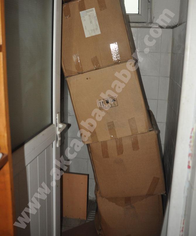akcaabatta-4-bin-kitap-tuvaletlerde-saklaniyor..jpg