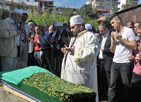 bagimsiz-turkiye-partisi-genel-baskani-haydar-bas'in-ablasi-vefat-etti..jpg