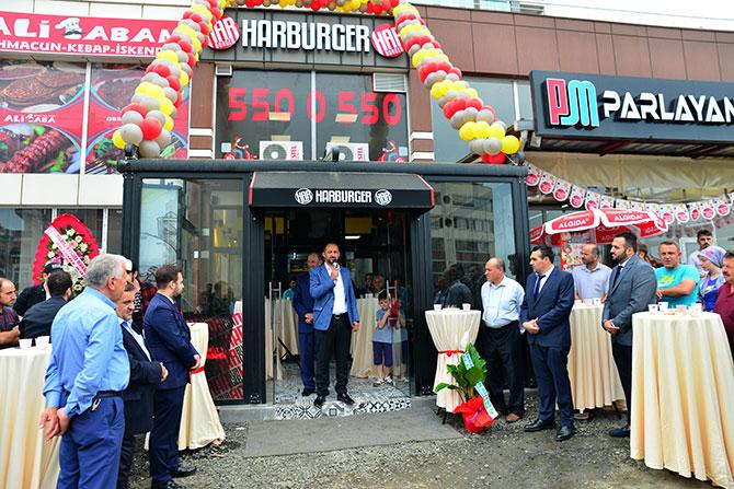 harburger-akcaabat-acilisia.jpg
