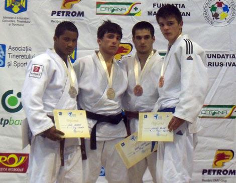 judocular4.jpg