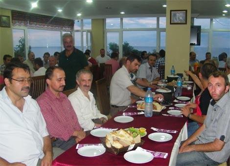 tosun-sanayi-sitesi-iftar.20120806180542.jpg