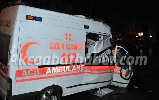 trabzon'da-hasta-tasiyan-ambulans-kaza-yapti,-1-kisi-oldu,-3-kisi-de-yaralandi.2.jpg